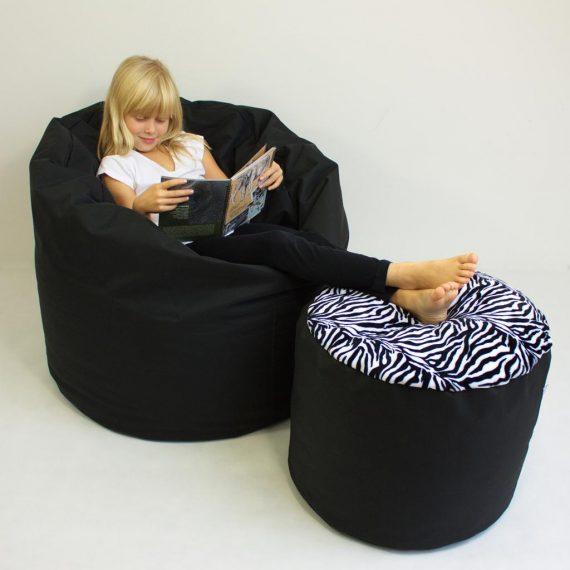 Obyvaci pokoj-sedaci vak a taburet-cerna