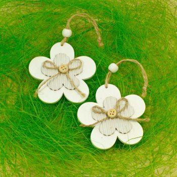 Jarni-dekorace_kvety-drevene_bile-II